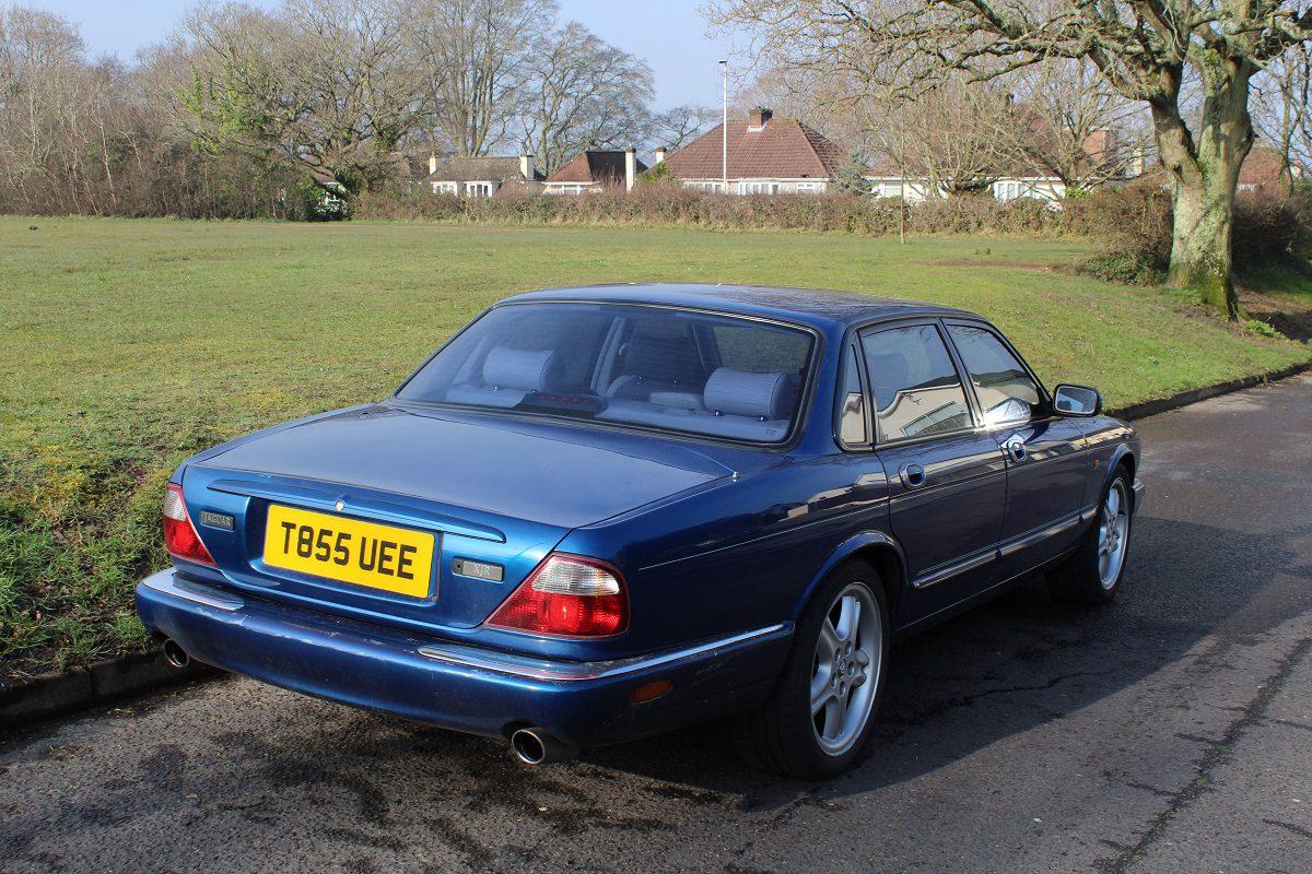 Jaguar xjr (11) - South Western Vehicle Auctions Ltd